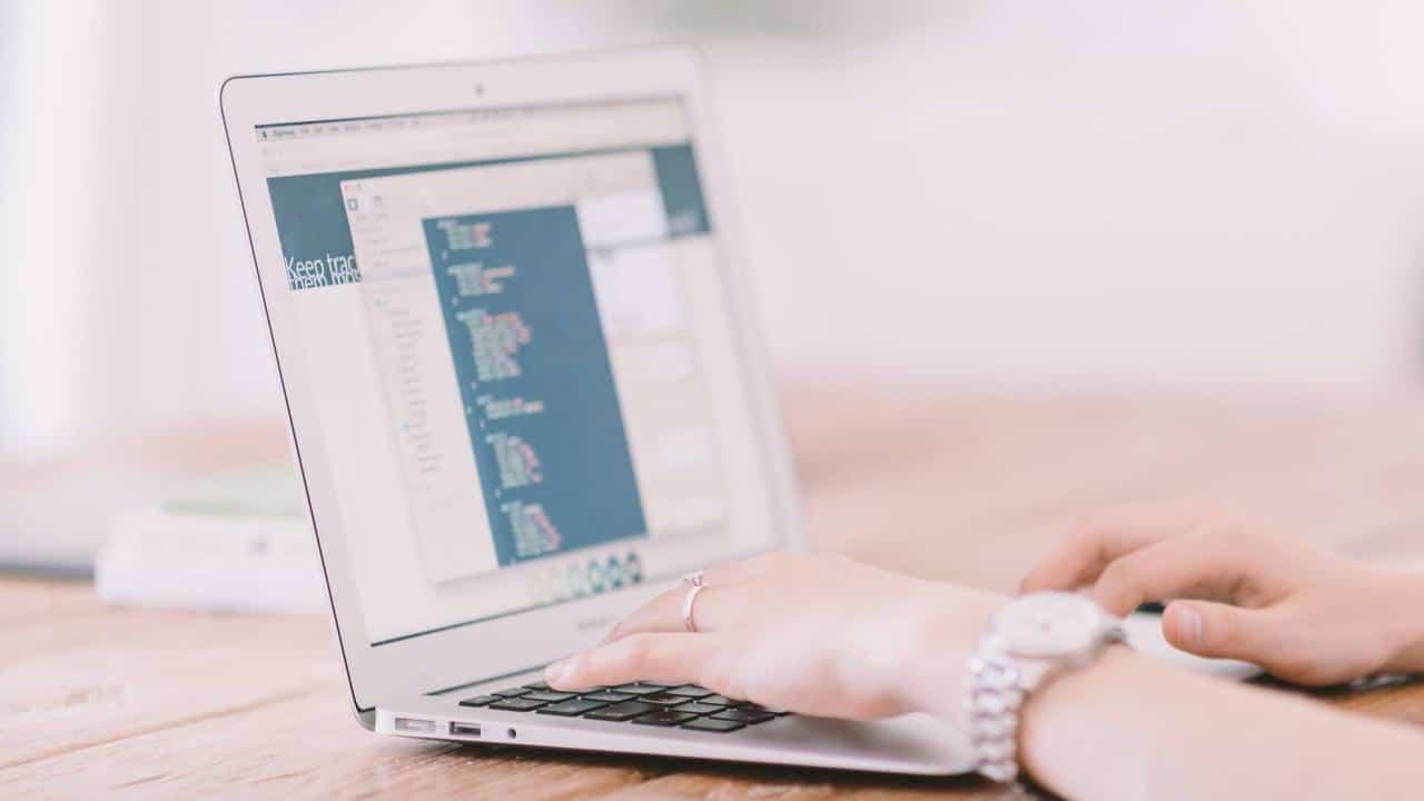 Comment saisir du contenu et mettre à jour soi-même son site?